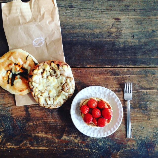 木曜日は「泉'Bakery」の日。良いイチゴが手に入...