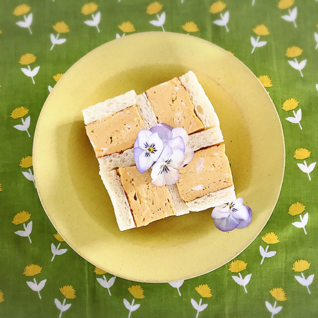 暖かく感じられる日が増え、鼻がムズムズしてきて春を実感するこの時期になると、黄色がかわいくてやたら目がいきます。