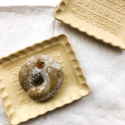 今日は、明日から販売になるコラボドーナツをいただきに、宇都宮にあるステキなドーナツ屋さん「dough-doughnuts」さんに伺ってきました。