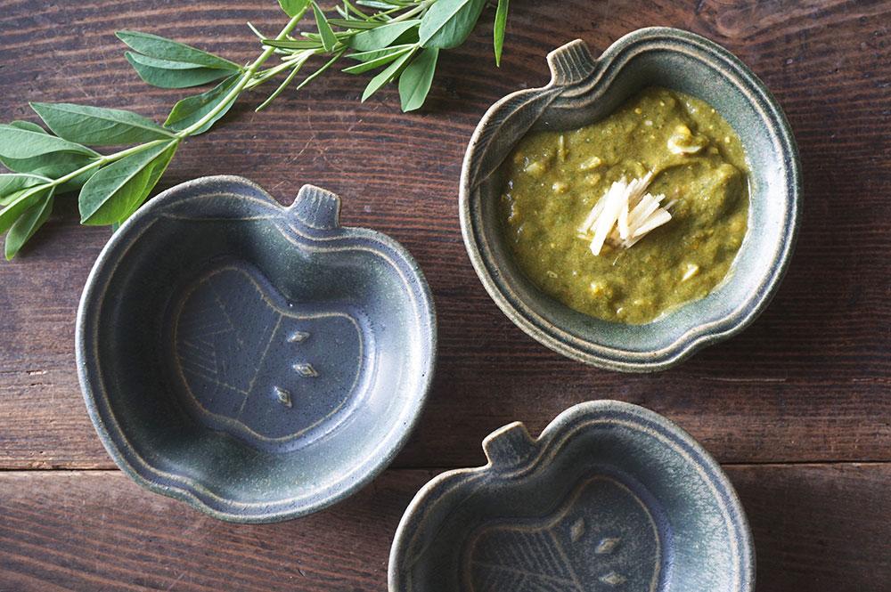 「銅緑釉 パッチワークのりんご小鉢」
